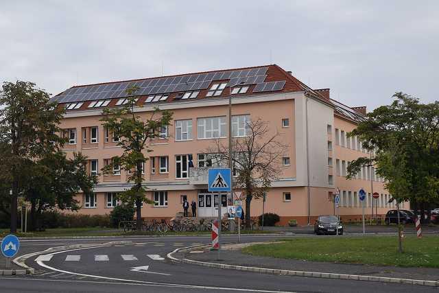 Neumann János Általános Iskola felújítása