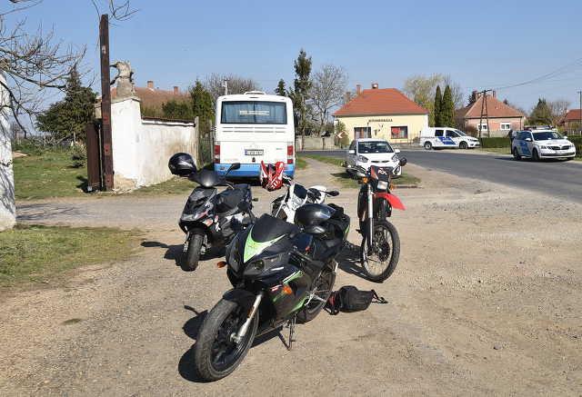 Két motorosbaleset
