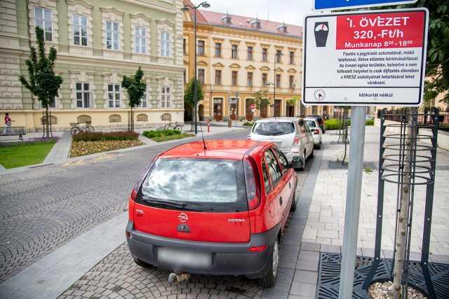 Ingyenes - fizetős parkolás összehasonlítás