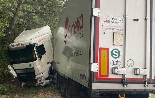 Kicsúszott kamion