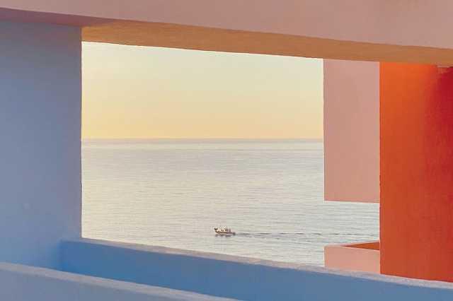 Építészet 3. hely -Jiandong Wang: Calpe Sunrise