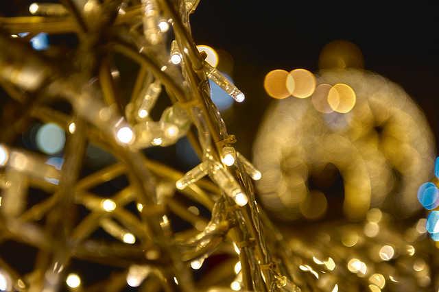 Karácsonyi díszítés a Főtéren