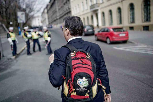 Orbán Viktor hátizsákja