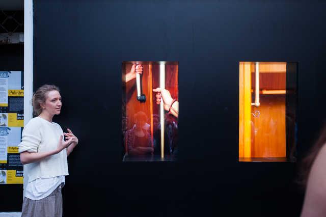 OFF-Biennále Budapest: amikor a csendháborítás művészetté emelkedik