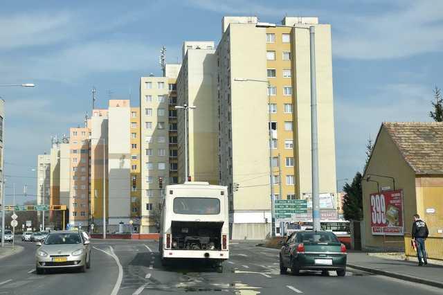 A Thököly út közepén robbant le a 30y busz Szombathelyen