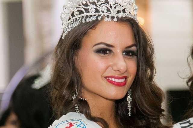 Simon Marcsi a Miss Freedom of the World-ön