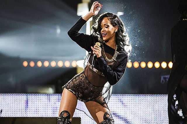 Hatalmasat énekelt Rihanna egyik rajongója a koncerten