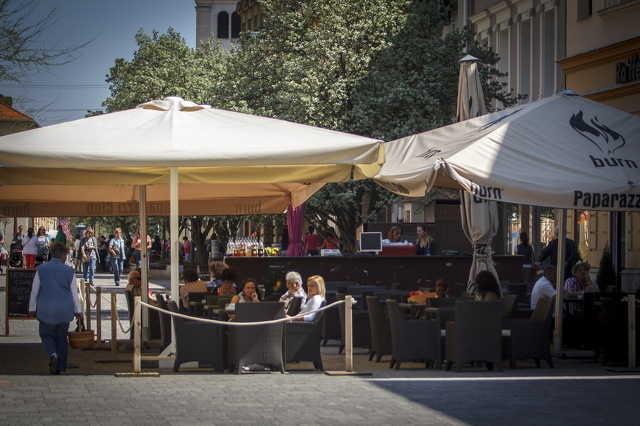 Paparazzi Café terasz