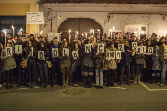 Tüntetés Gyöngyösi Márton szereplése ellen