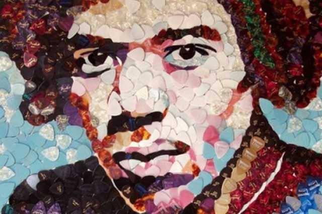 Jimi Hendrix-portré négyezer darab gitárpengetőből