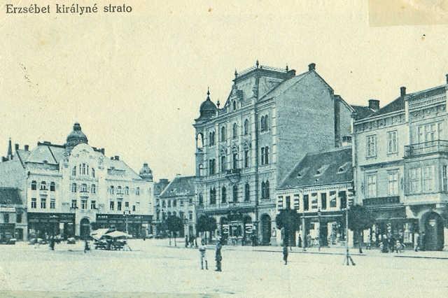 Szombathely régen és ma  - Fő tér 16.