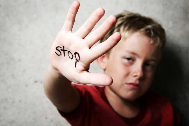családi erőszak / pofon a gyereknek