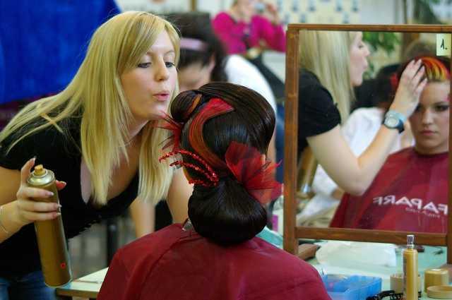 Fodrász és kozmetikus tanulók versenye 2012