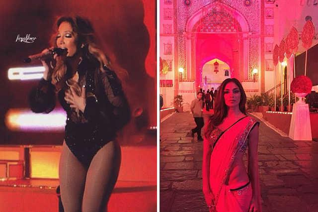 J.Lo fellépés közben (balra) és Nicole Scherzinger száriban (jobbra)
