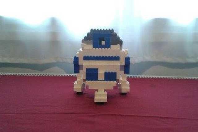 R23D2 legóból