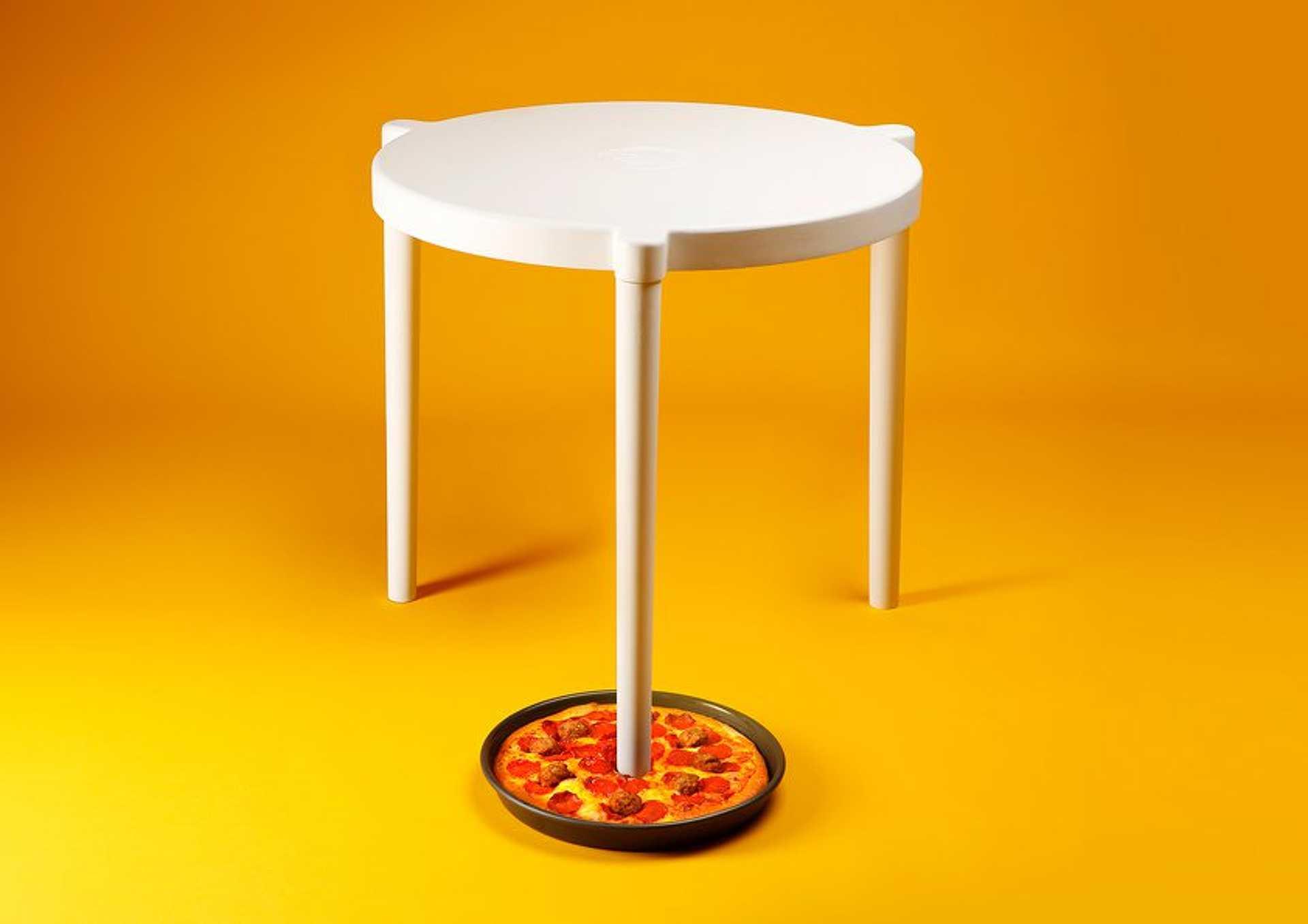 Pizza tüske asztal