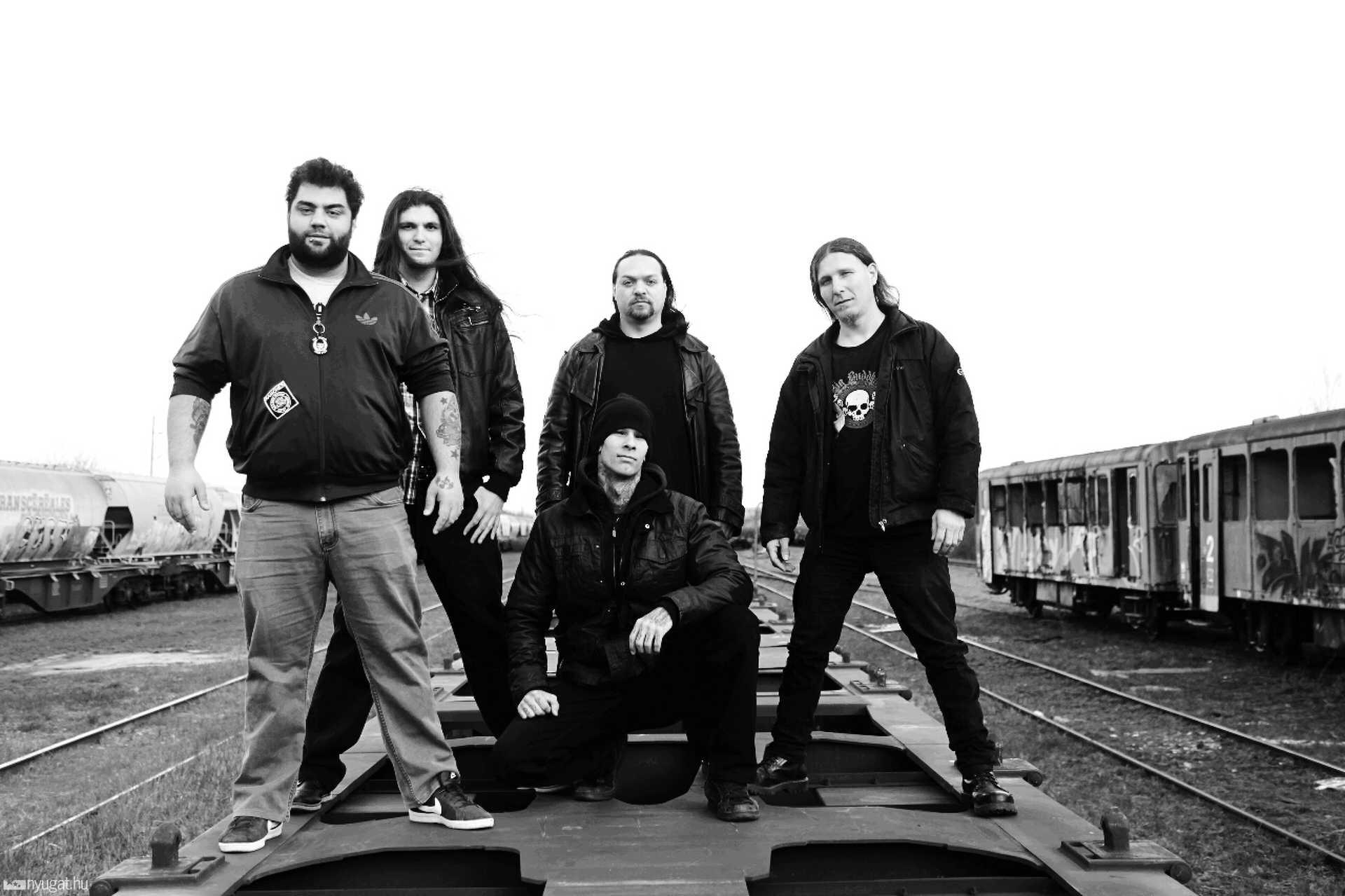 Self Desolation: Göcsei Imre(Bálna)- basszusgitár,Szilvási Ákos- gitár,Tamás Sándor- dob,Halász Nándor- torok,Magyar Tamás-gitár