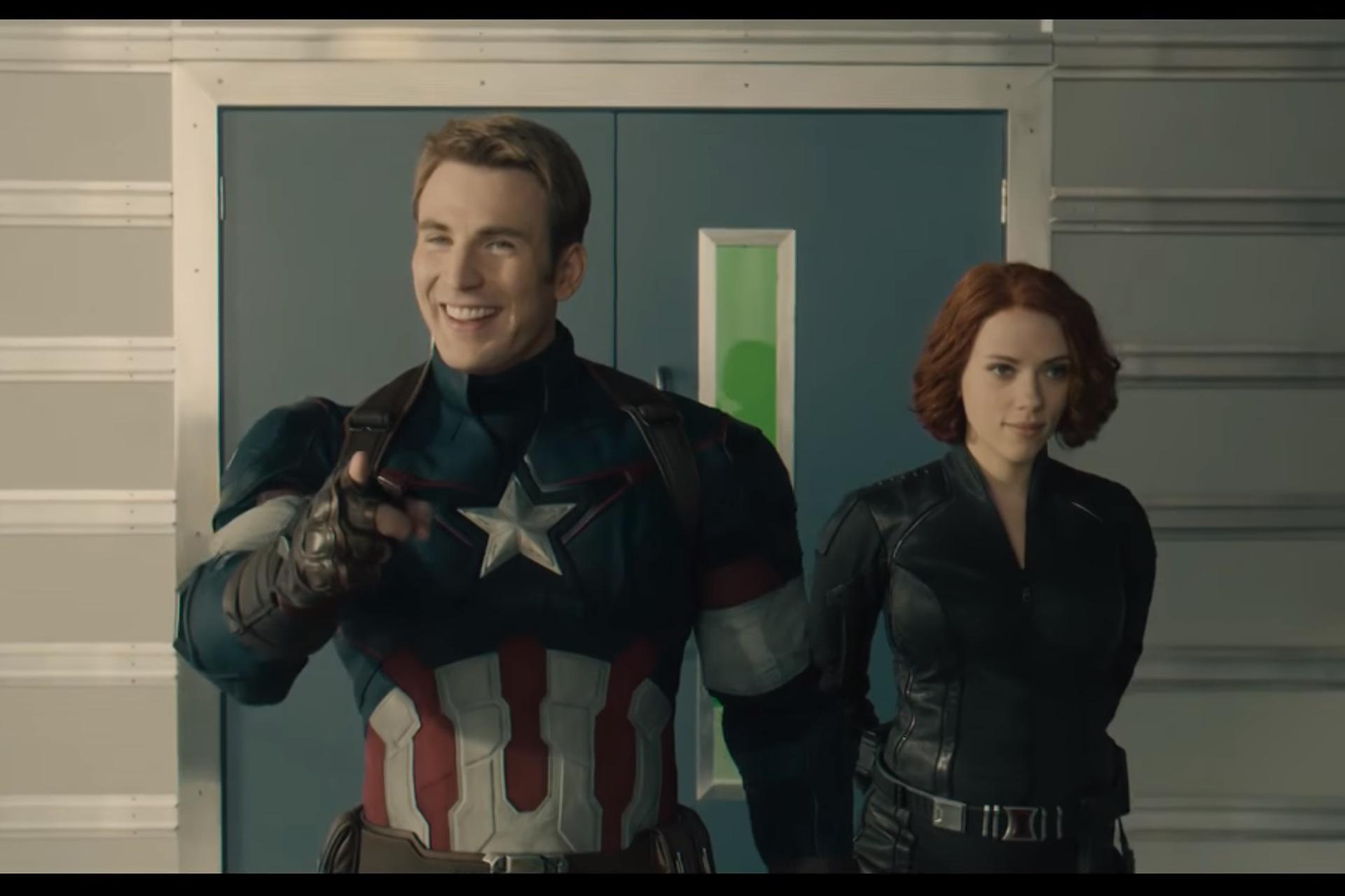 Scarlett Johansson terhesen az Ultron Kora forgatásán