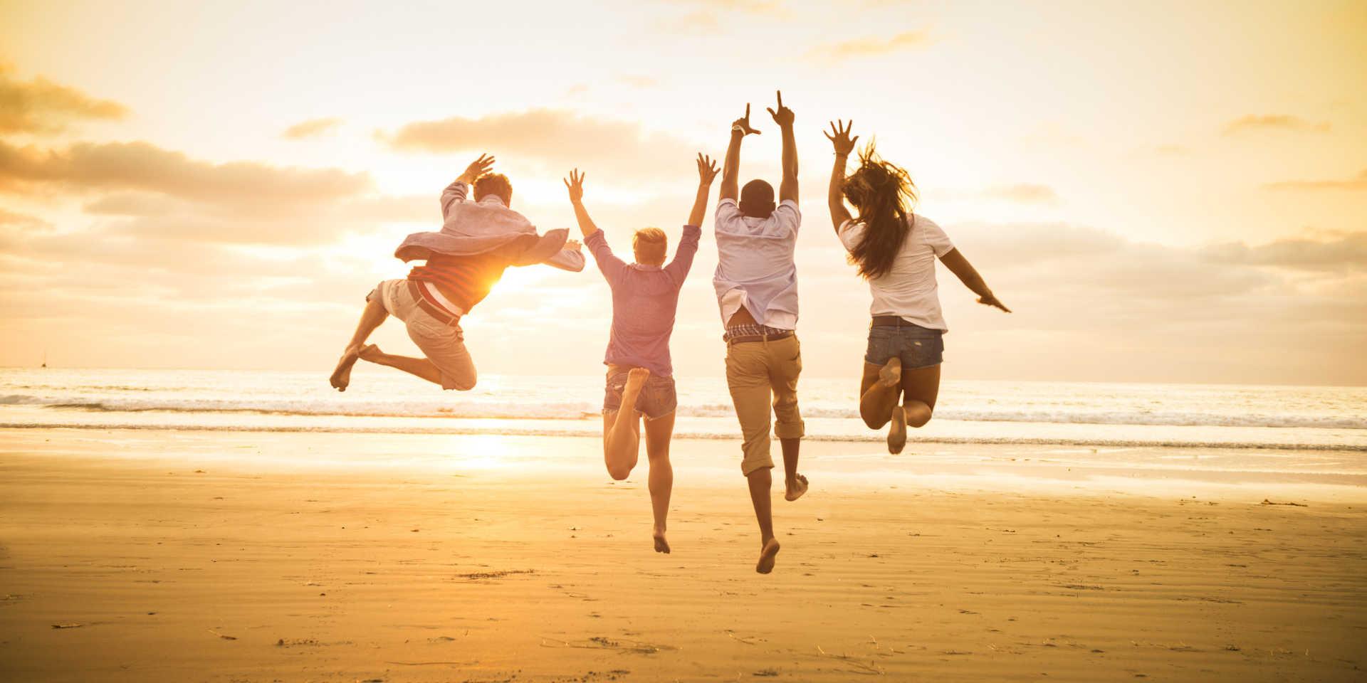 Alapvető jogunk a szabad élet és boldogság! Miért vonnánk ezt meg magunktól. Lépj ki a fénybe!