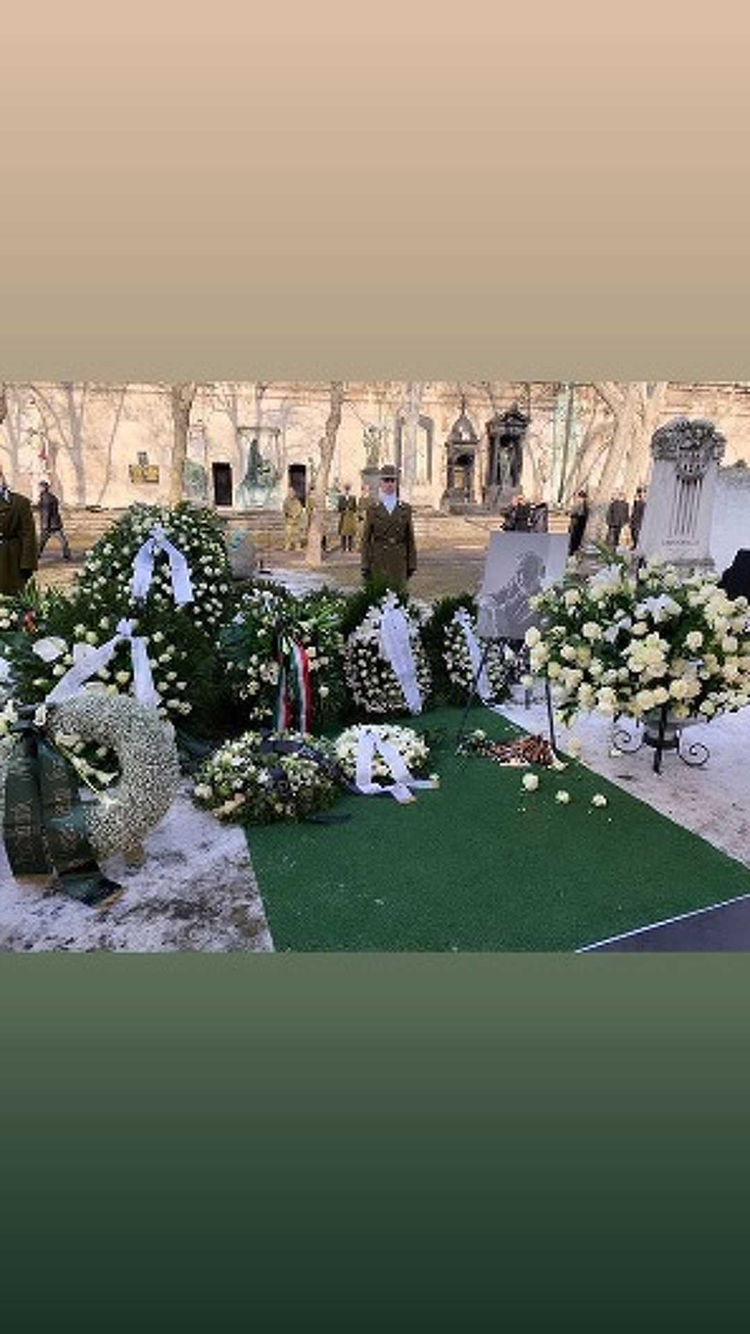 Andy Vajna temetése Timi Instasztorijában