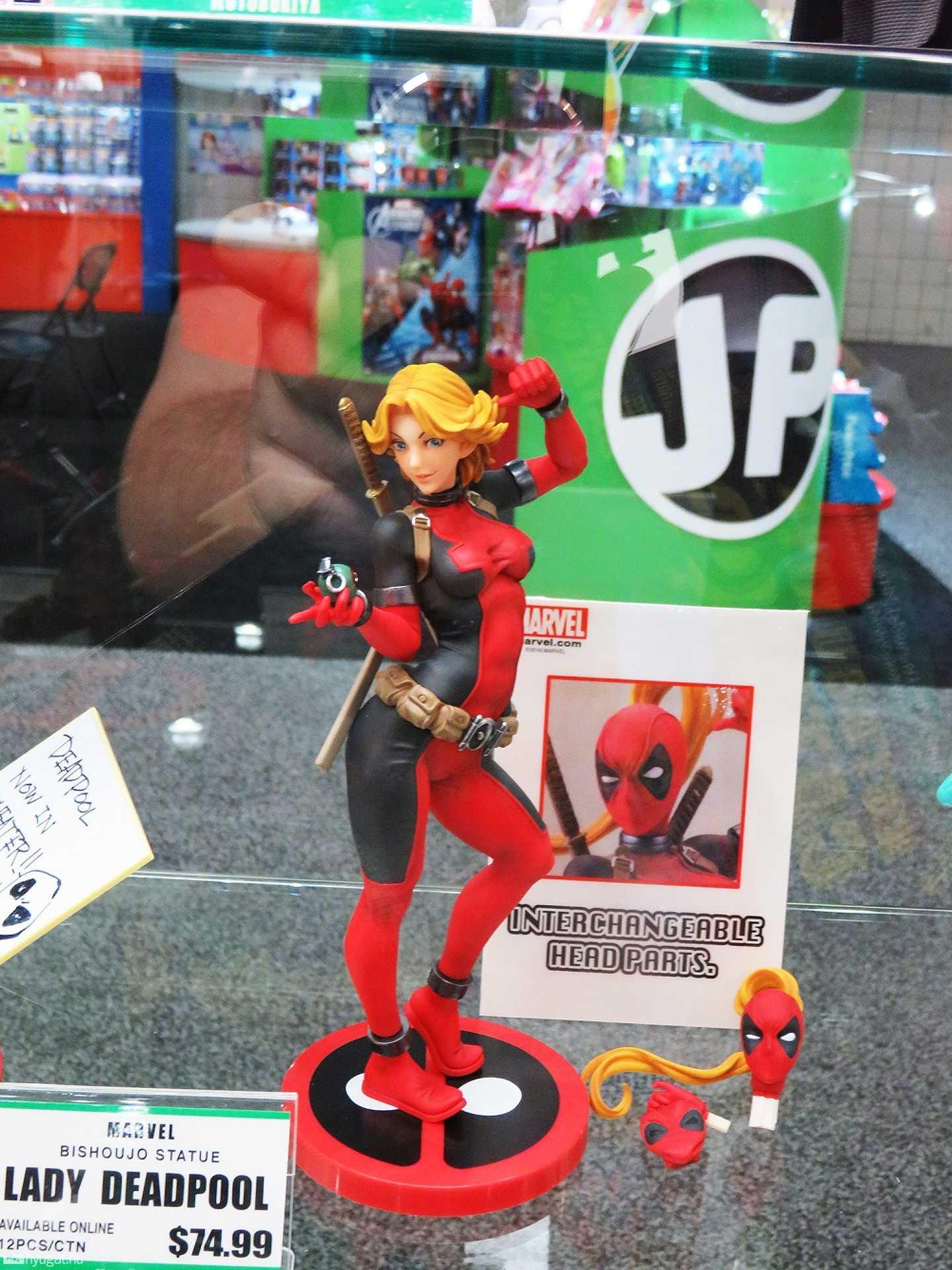Még a nőjét is elhozta. Íme Lady Deadpool
