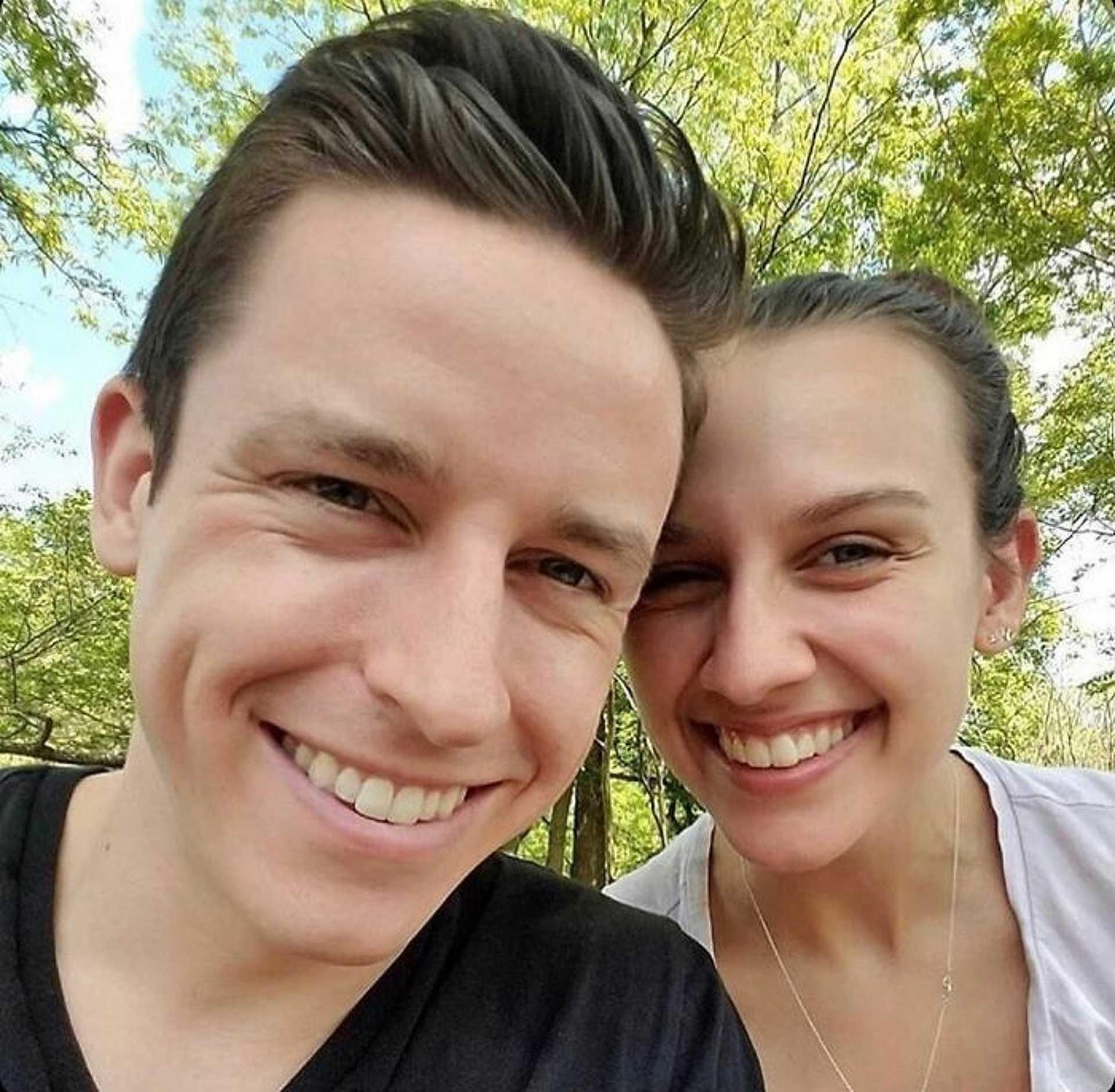 Siblings or Dating? - randiznak